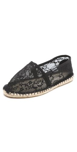 easy, breezy and affordable lace espadrilles from Soludos. Look just like Valentino! #espadrilles #flats #lace