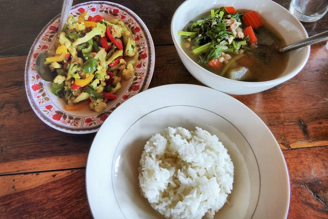 Home style Khmer cooking fresh from the garden. The food