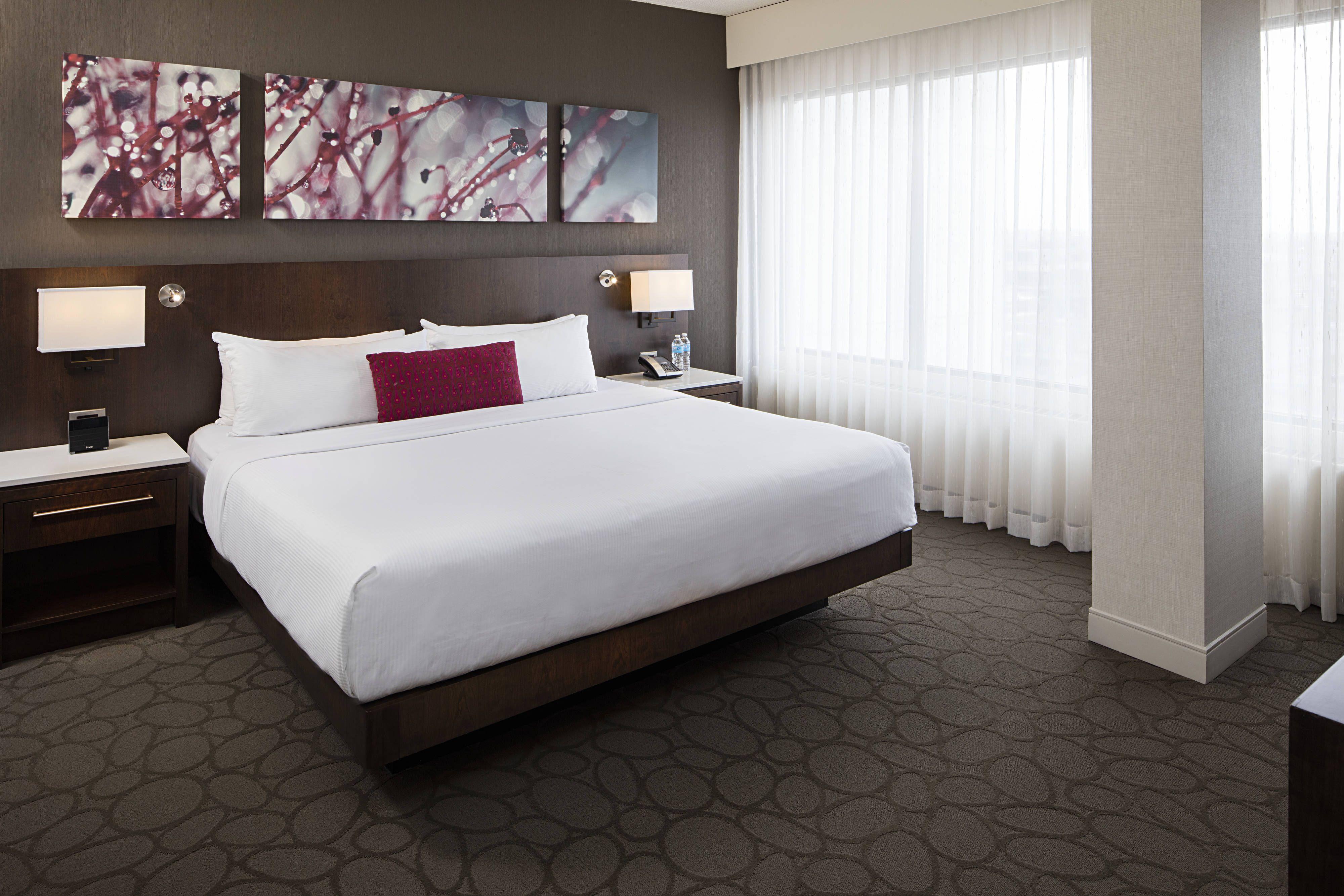 Delta Hotels Edmonton South Conference Centre BiLevel