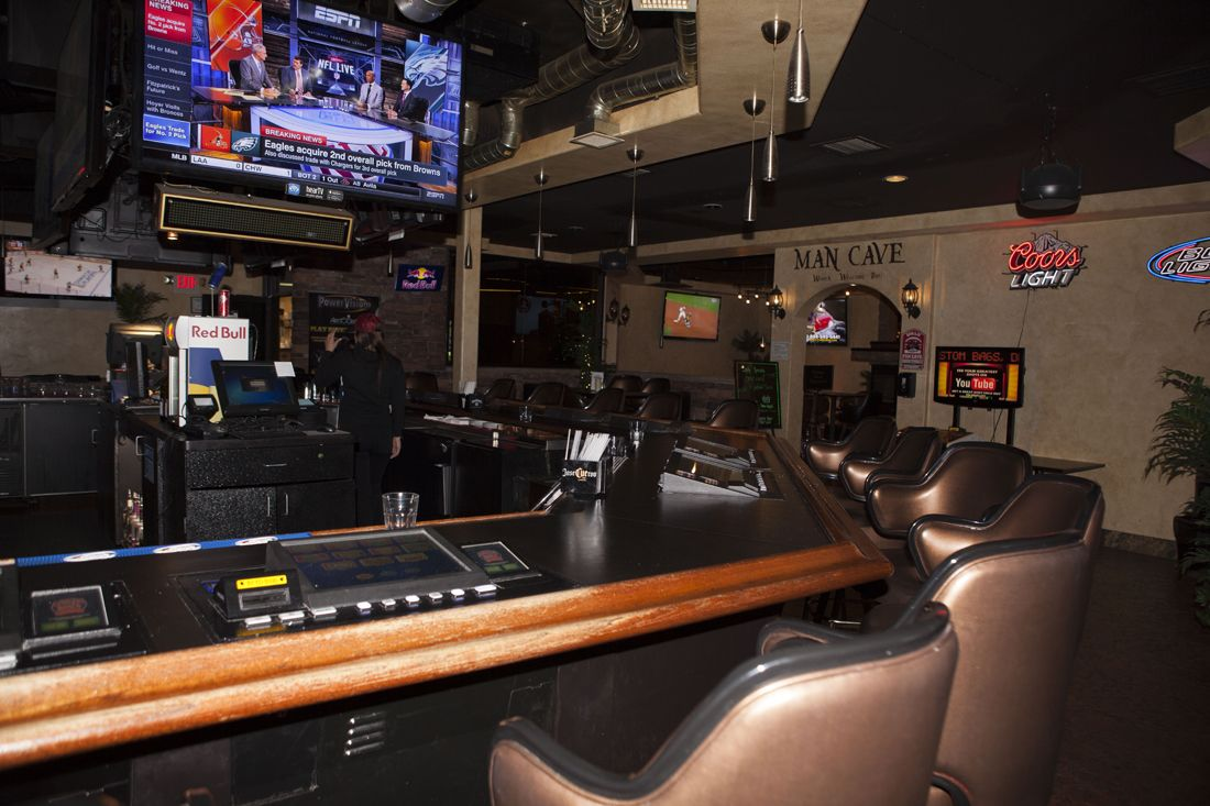 ACES BAR And GRILL offering some the best Sports seats