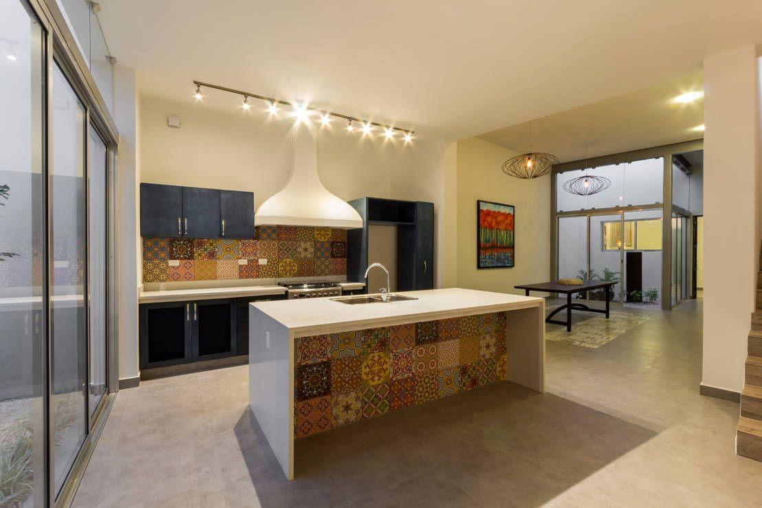 Una Casa Humilde Por Fuera Maravillosa Por Dentro Arquitectos  # Muebles Cervera