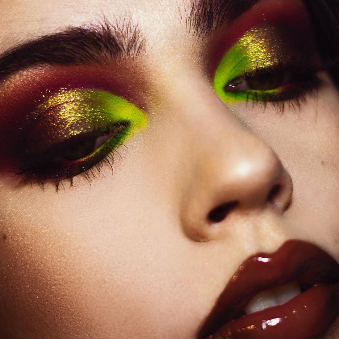 """ℜ𝔞𝔩𝔲𝔠𝔞 on Instagram """"🥀 . . hudabeauty Neon Green"""