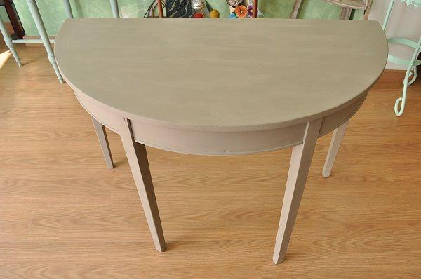 Mesa pintada con la chalk paint de Autentico