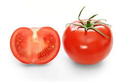 Tomato: Tomato is slightly acidic vegetable, containing potassium and vitamin C. Useful to treat blackheads, open pores and greasy skin.