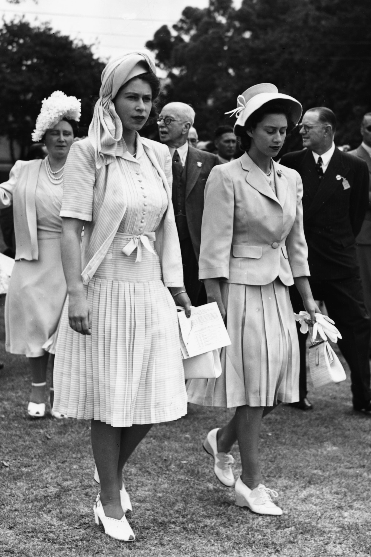 In Photos Queen Elizabeth Amp Princess Margaret Before The