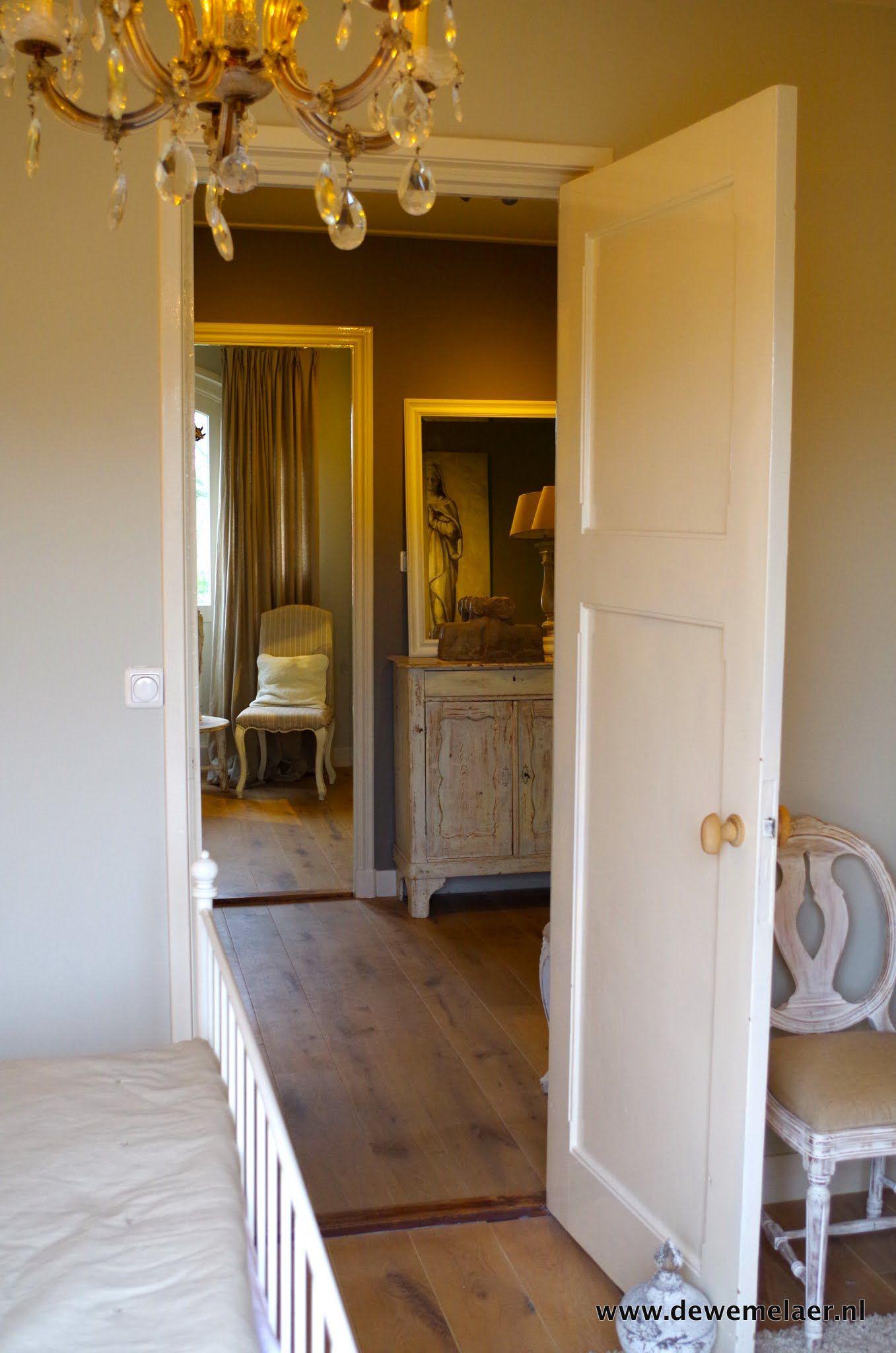 Voor de binnenkijker was ik deze keer te gast in het mooie Friesland, waar ik in een prachtig jaren-20 herenhuis met koffie en appeltaart werd verwelkomd door Leida. Karel en Leida hebben het huis in 1,5 jaar weten om te…