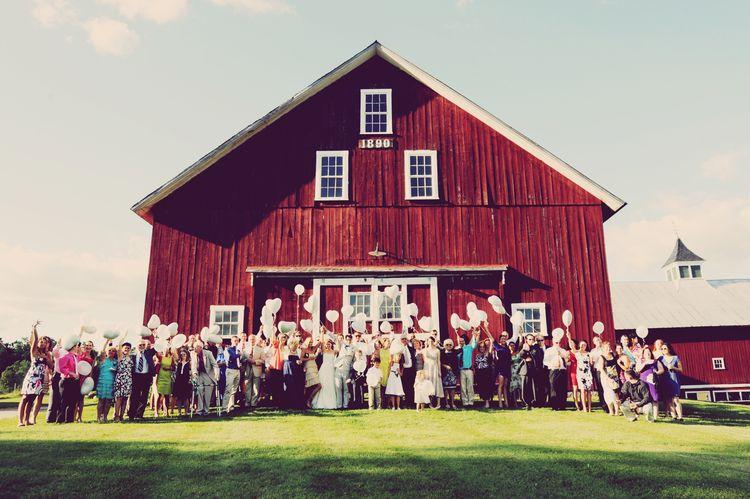 Inn at Mountian View Farm | East Burke Vermont #farmwedding #barnwedding #rusticwedding #vermontwedding #innatmountainviewfarm #innatmountainview