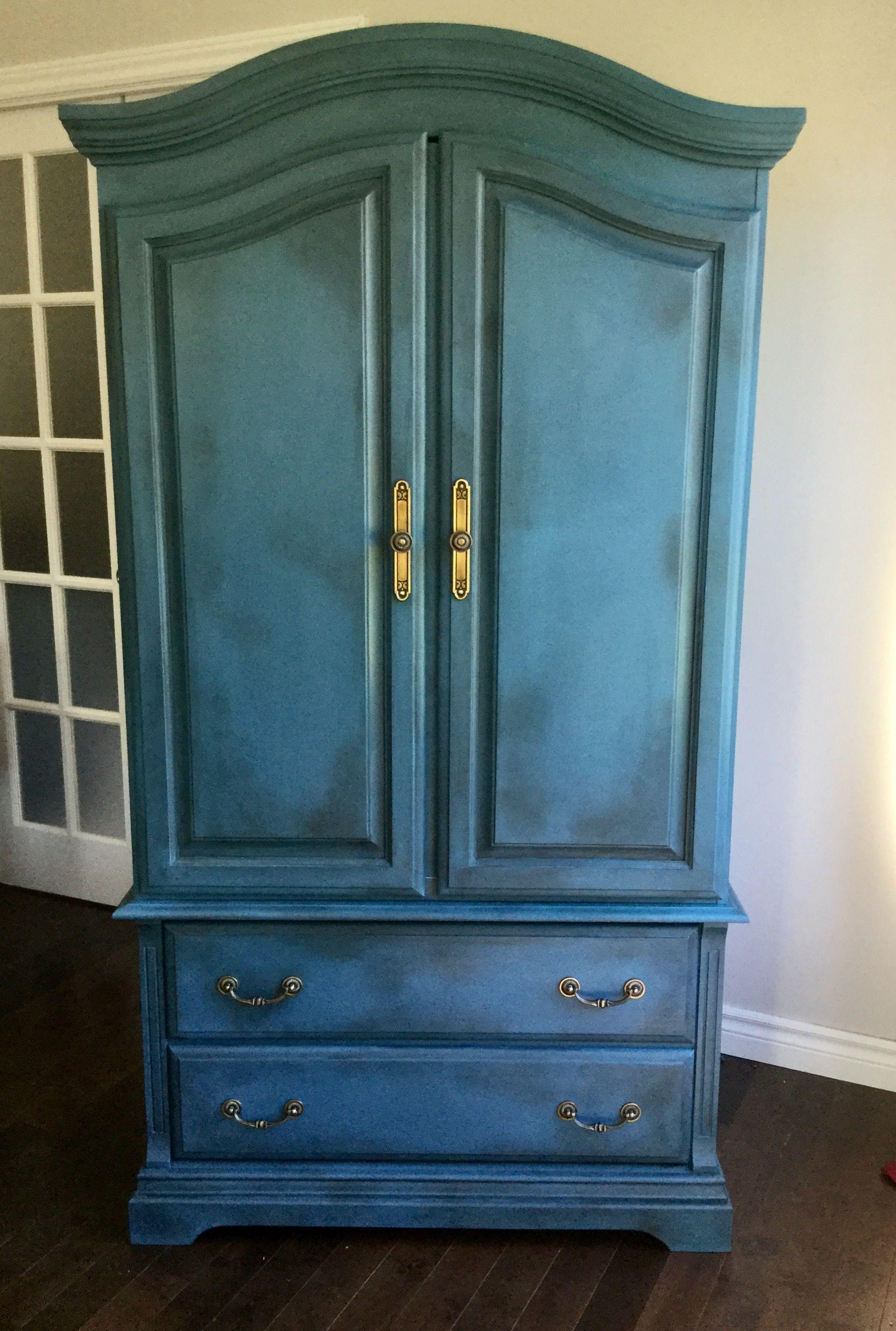 armoire relook e l 39 aide de la peinture annie slaon bleu aubusson le tout patin l 39 aide d. Black Bedroom Furniture Sets. Home Design Ideas