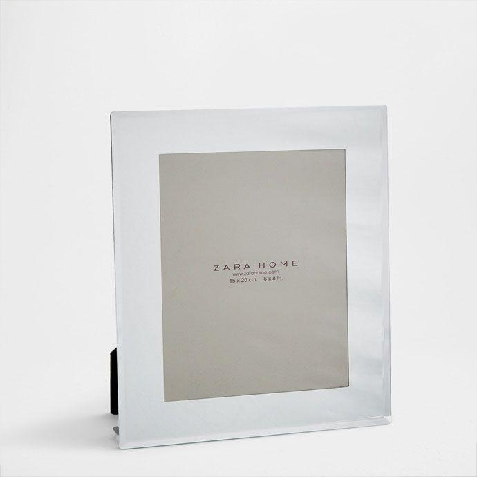 Dimensiones del marco: 16 x 21 cm / 6,3 x 8,3 in<br>Para fotografía ...