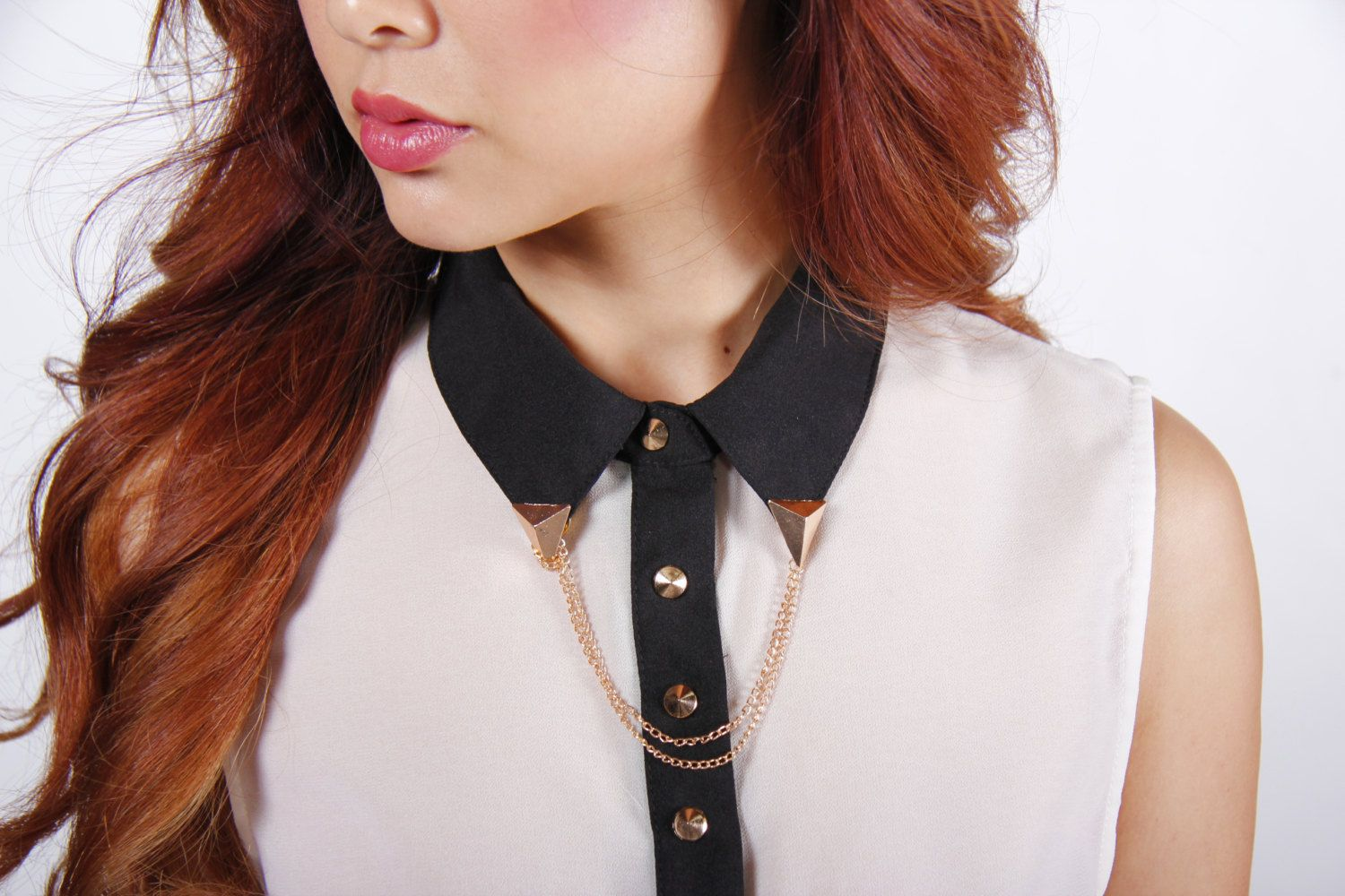 Gold Chain Collar Pin by OneSingleStrand on Etsy https://www.etsy.com/listing/226745530/gold-chain-collar-pin