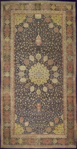 The Ardabil Carpet Is The Oldest Dated Carpet In The World Measuring 10 5 Metres By 5 Metres It Is Also One O Alfombras Decoracion Persa Alfombras Orientales