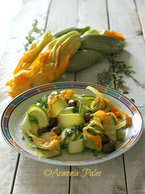 Armonia Paleo: Nastri di Zucchine con Fiori di Zucca e Olive