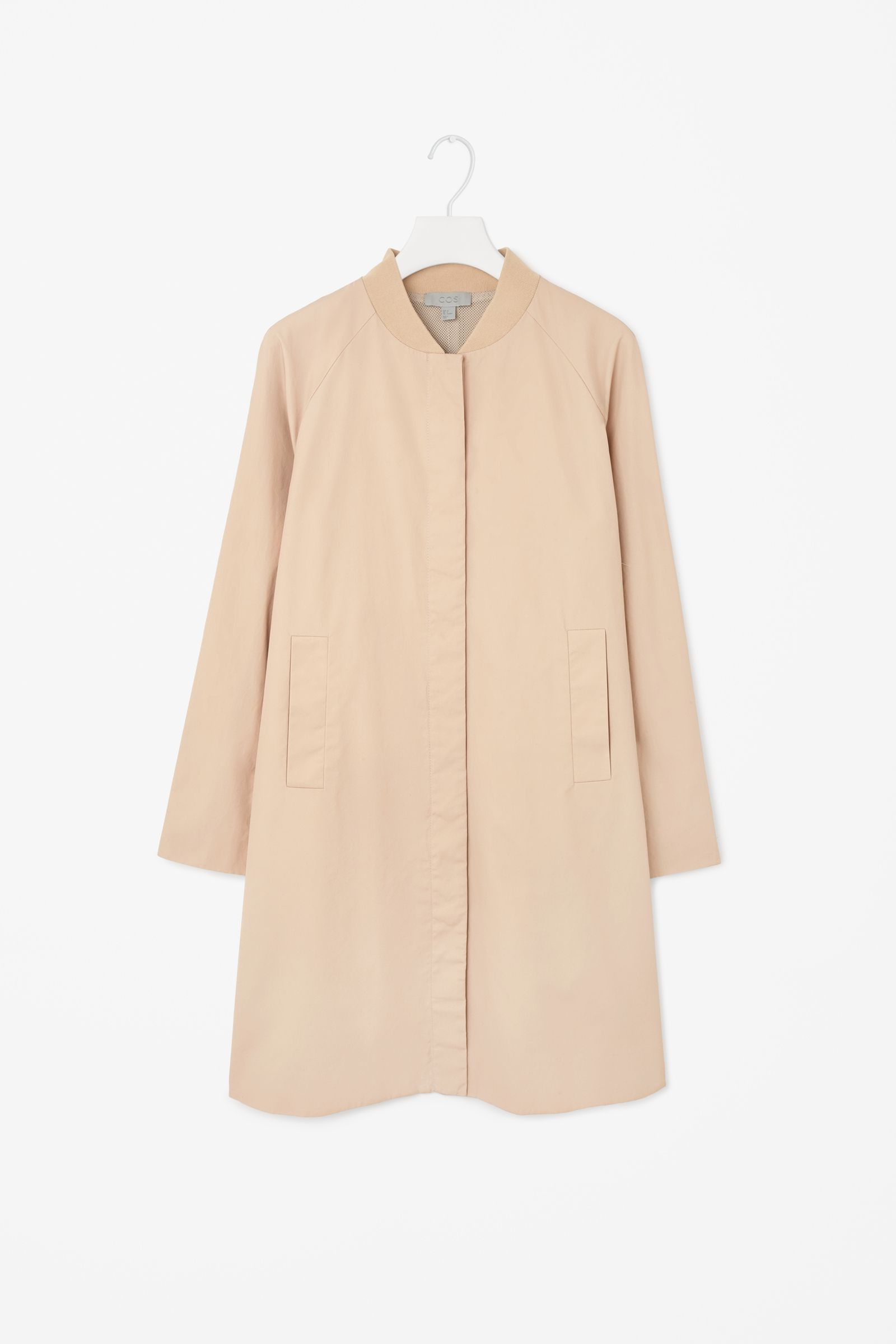 Coat with ribbed neckline