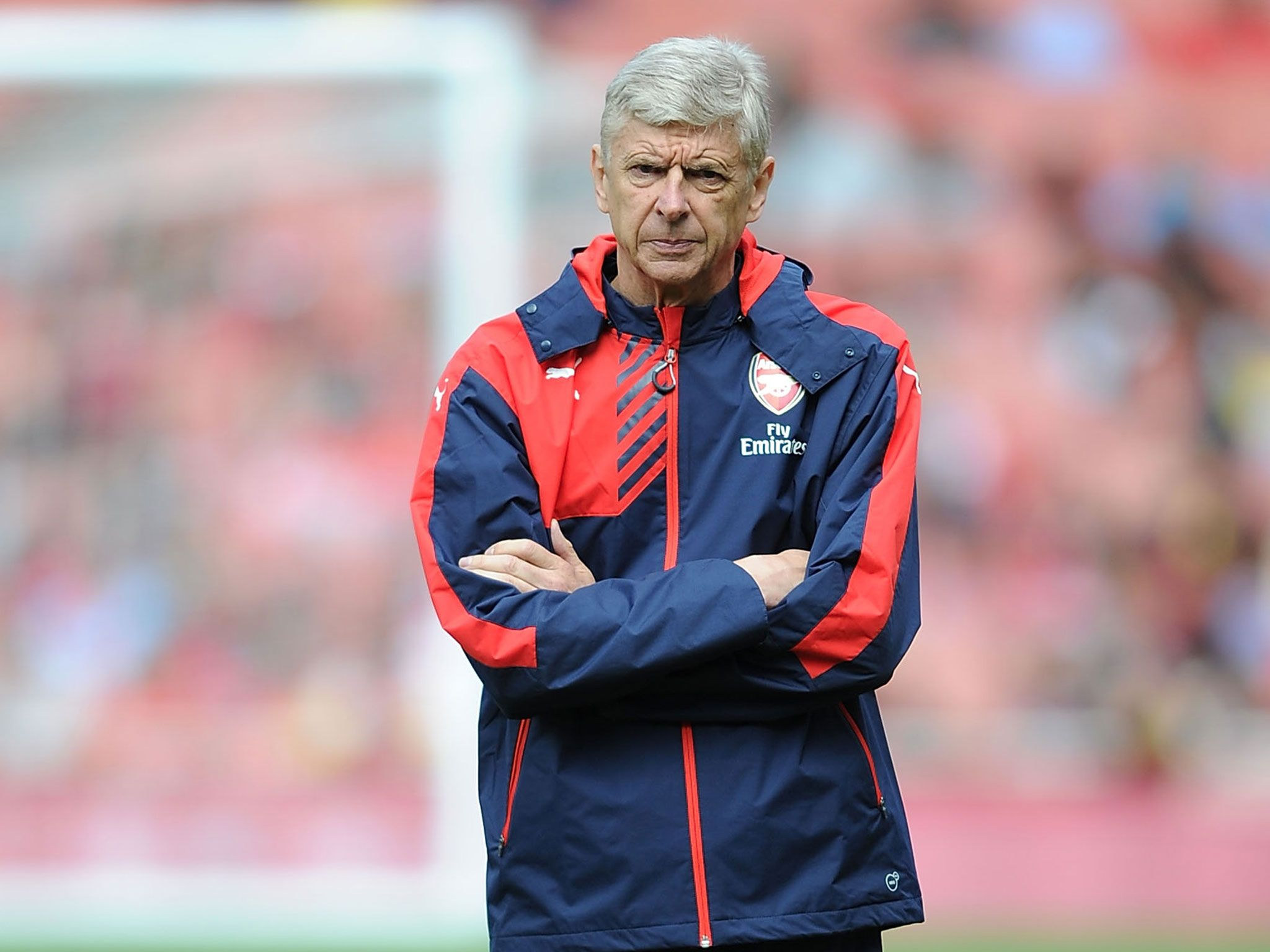 Wenger urges Arsenal fans to back team, not seek new