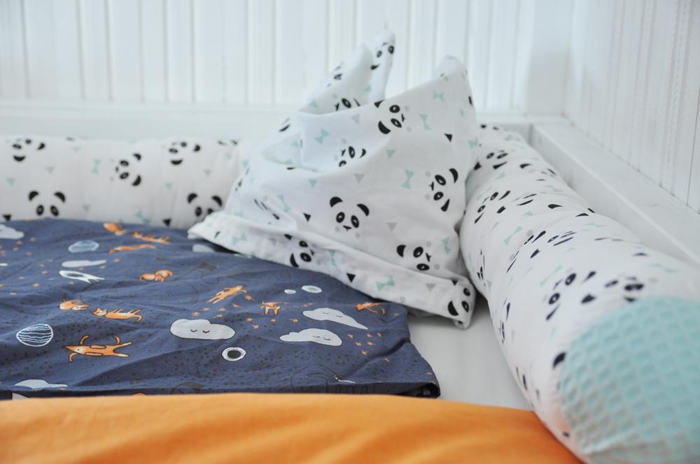 Hausbett Diy Anleitung Zum Bau Eines Ikea Kura Hacks Mit Treppe Bett Kinderzimmer Hochbetten Kinderzimmer Kinder Zimmer