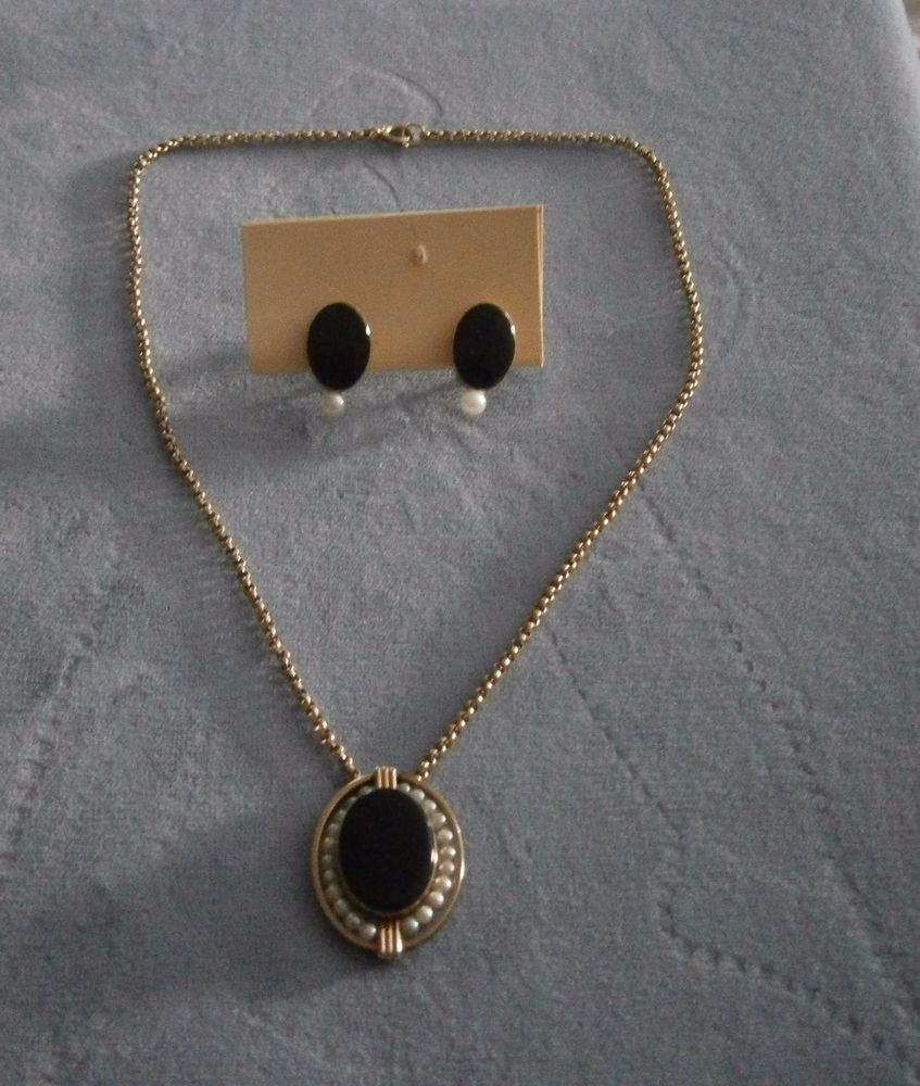 Vintage Van Dell 12K Gold Filled Black Onyx Brooch