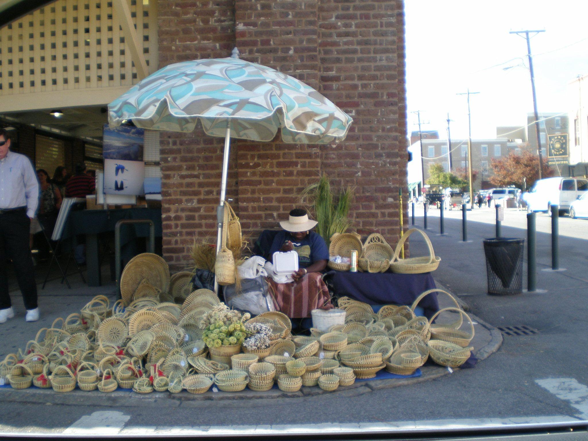 Charleston buy a sweetgrass basket downtown