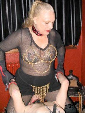 sodomie mature maitresse dominatrice
