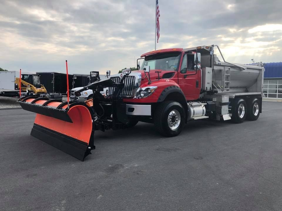 Monroe Truck Equipment >> This International Was Outfitted With A Monroe Truck