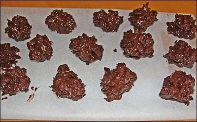 Rocas de chocolate con almendras