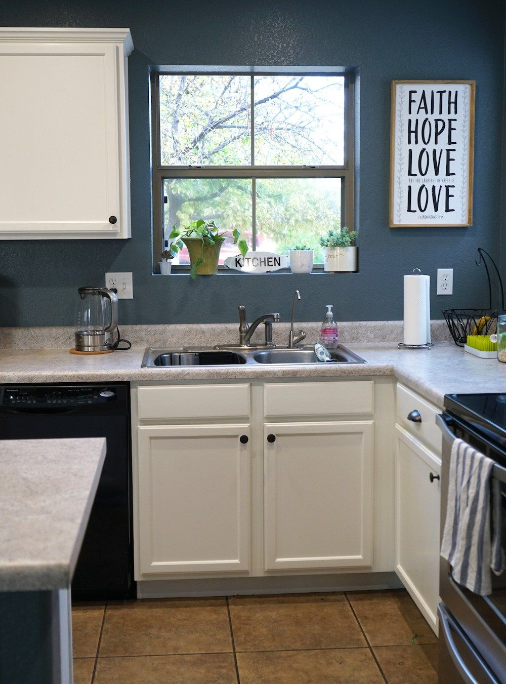 How to Paint Kitchen Cabinets White | Painting kitchen ...