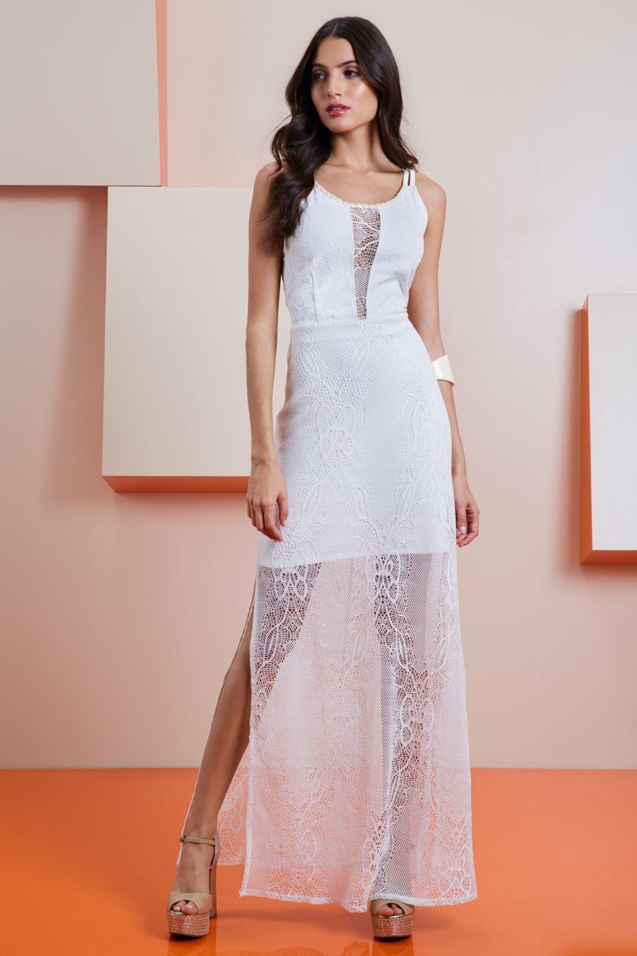 d4700f6d2 Vestido branco longo com decote profundo e renda transparente ...