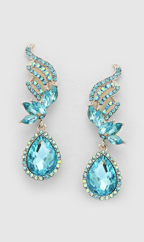 Previous pinner: Crystal Tiffany Earrings in Water Blue. Me: What a pretty earring! This is not a pair. It's the same earring, reversed.