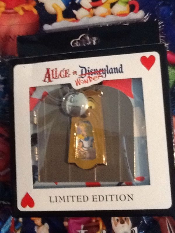Disney Pins - Alice In Wonderland JUMBO Disneyland Event Pin LE 250 Doorknob Pin