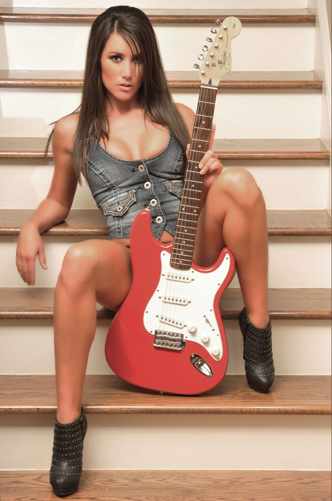 Bent over sexy guitar babes watching freetube hot