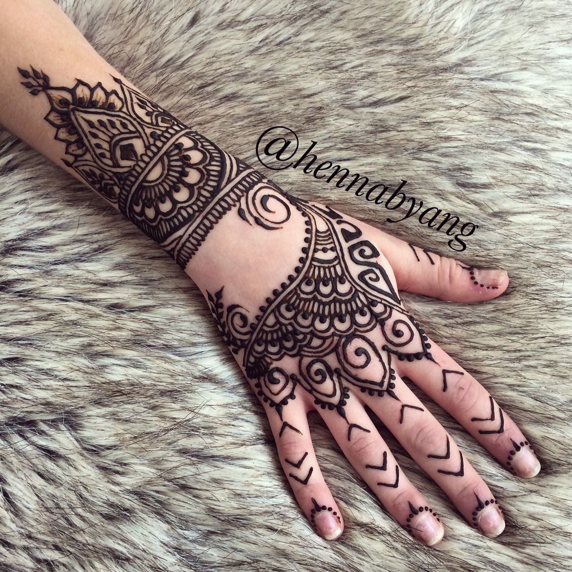 rihanna style rihanna pinterest henna designs henna and mehndi. Black Bedroom Furniture Sets. Home Design Ideas