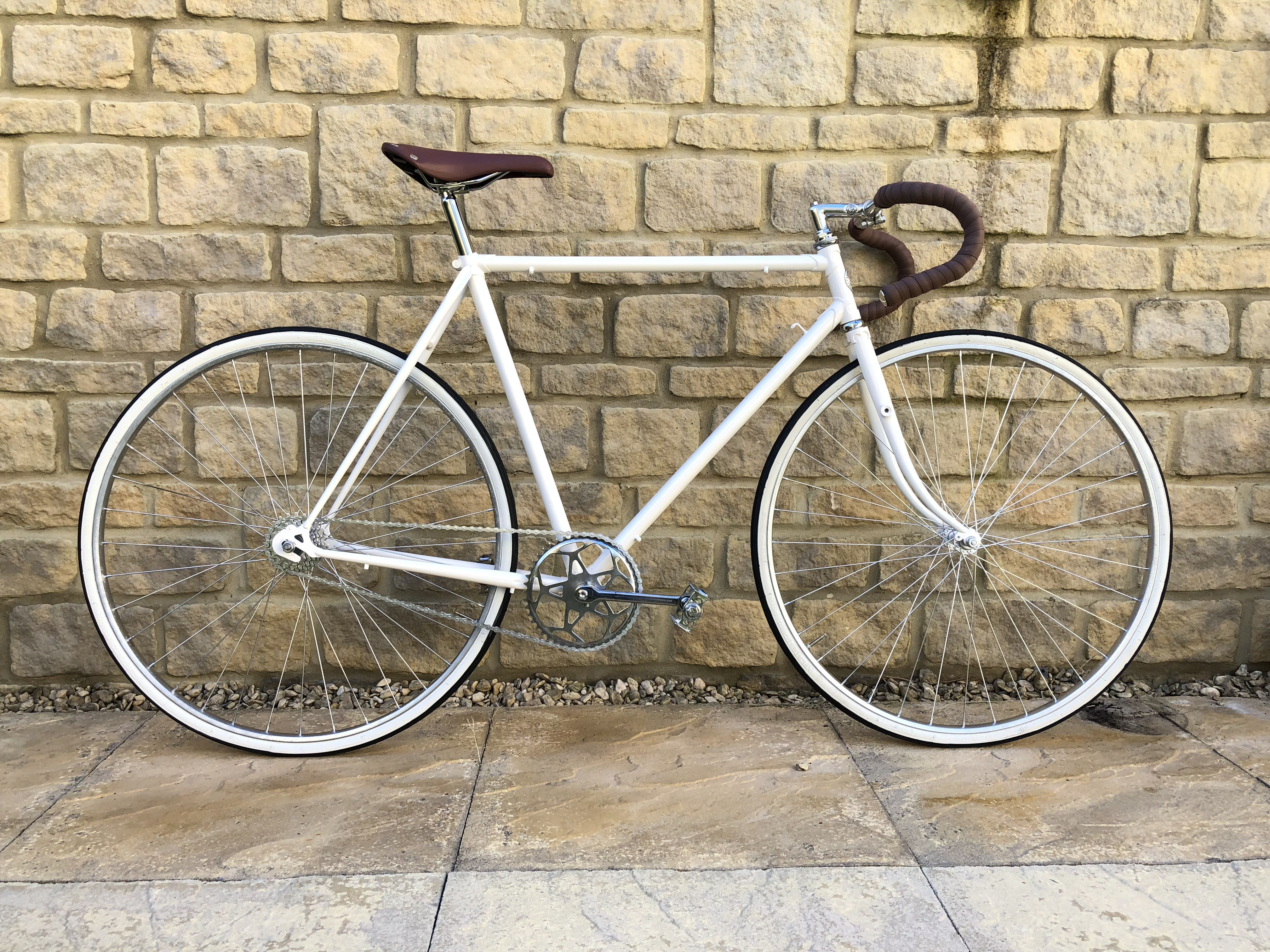 Vintage Roadbike Dawes Galaxy In White And Brown Road Bike Vintage Vintage Bikes Road Bike