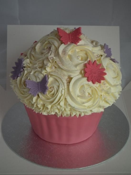 Sugar butterflys   Sugar Mama Creations Blog   Custom Cake Designs