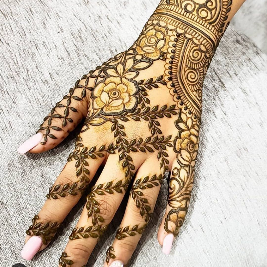 #mehndi #hennatattoo #aeathetic #designs  #designspiration #designsketch #tattoo #tattoos #tattooideas #tattooartist #doodlesofinstagram #doodle