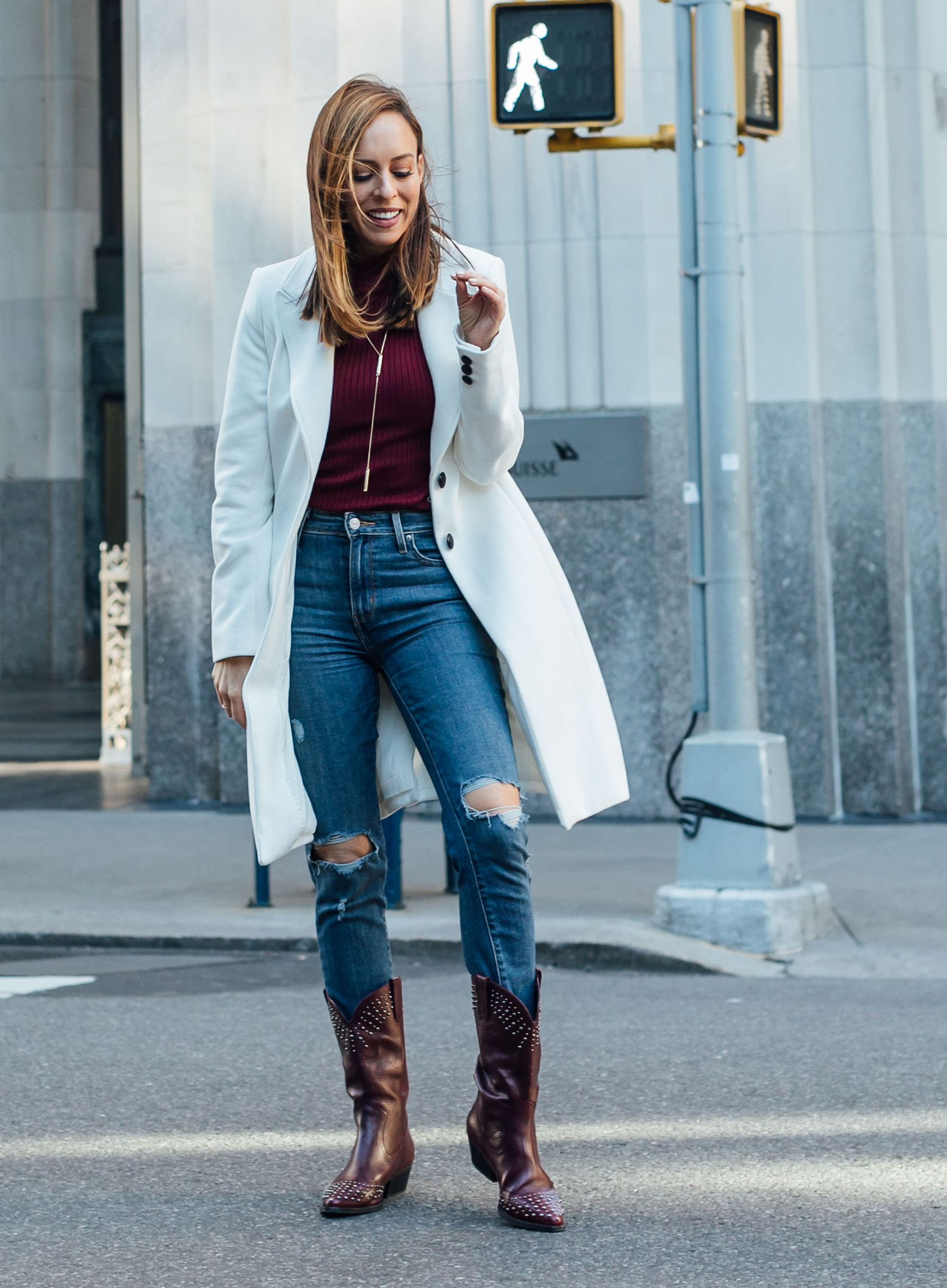 ef8d4b5cd9 Sydne Style shows what to wear with a white coat  coats  jeans  boots   cowboyboots  sydnesummer