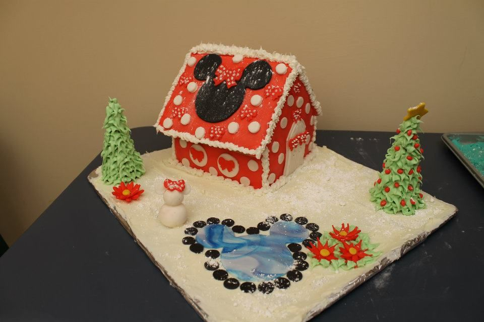 Disney Minnie Mouse, Christmas Gingerbread House 2012,   by Mike Bradley