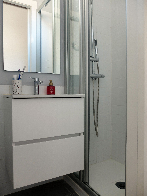 Reforma de baño pequeño con ducha en Barcelona | por Accesible ...