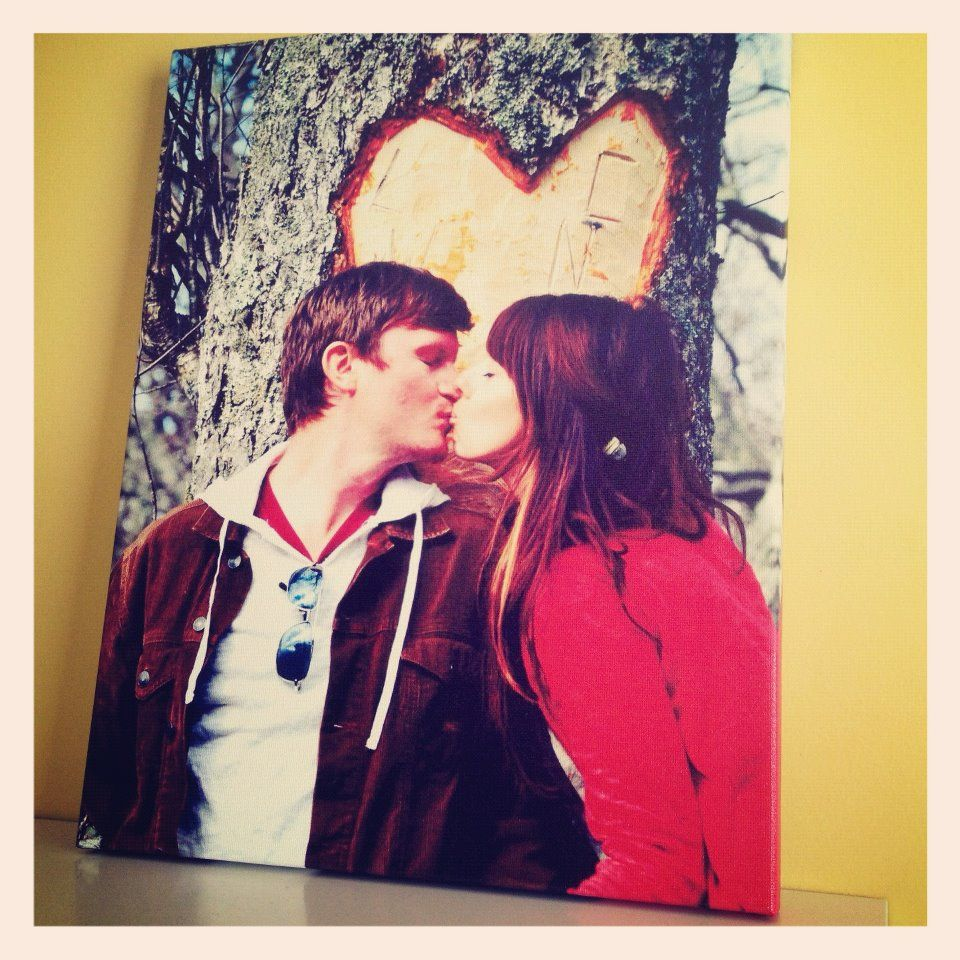 Lovebirds on a canvas - the perfect #anniversary gift