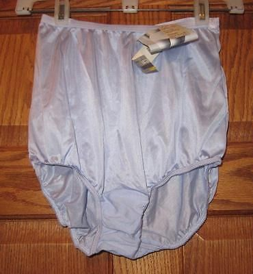 http://thumbs4.picclick.com/d/l400/pict/252466005559_/NWT-Vintage-Olga-Frosty-Orchid-NYLON-Brief-Panties.jpg