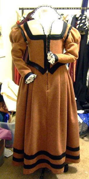 """Brown Wool Elizabethan Middle Class Gown"""""""" How very pretty! Description from pinterest.com. I searched for this on bing.com/images"""