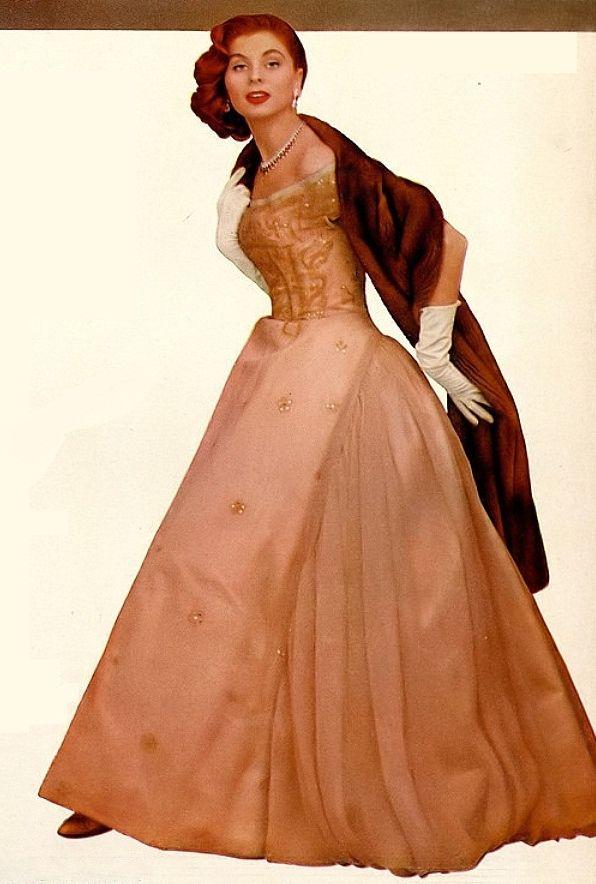 1955 Suzy Parker in gown by Hattie Carnegie. | 1940s -1950s long ...