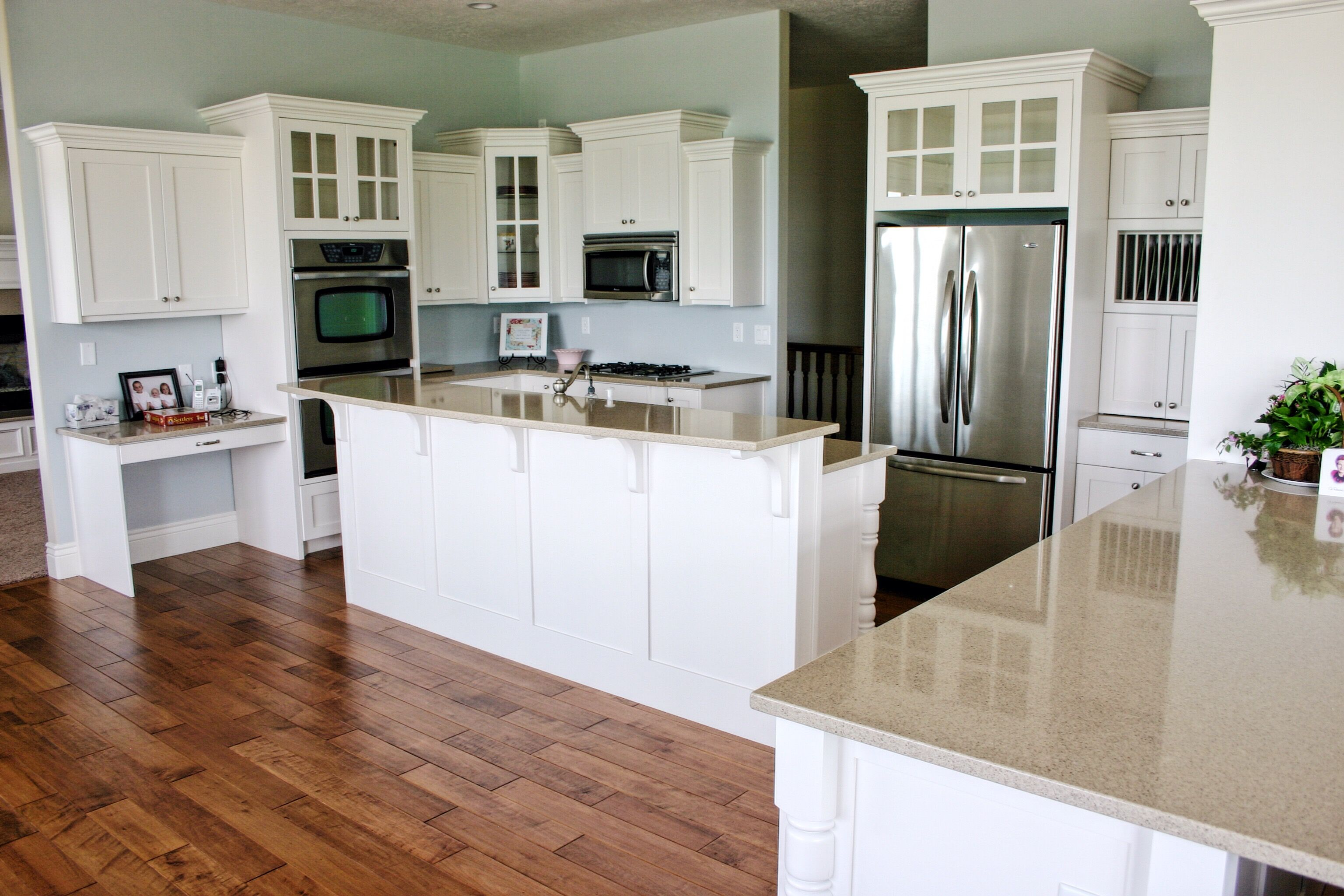 Kitchen cabinets by Premier Cabinets of Northern Utah