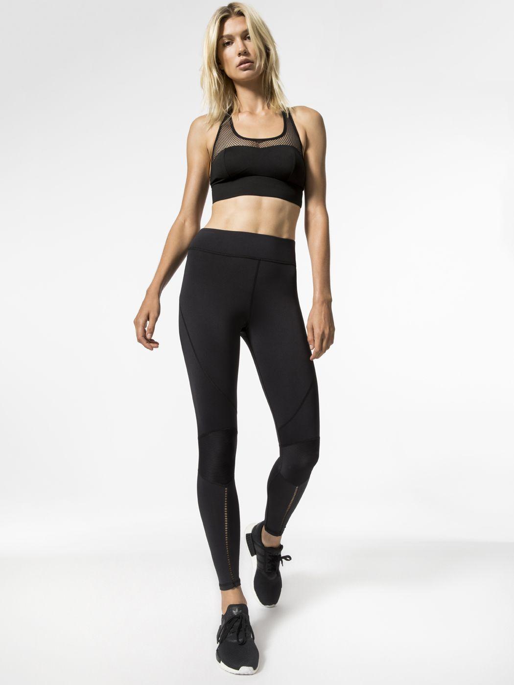 Zero Gravity Medium Support Sport Bra in Black Black