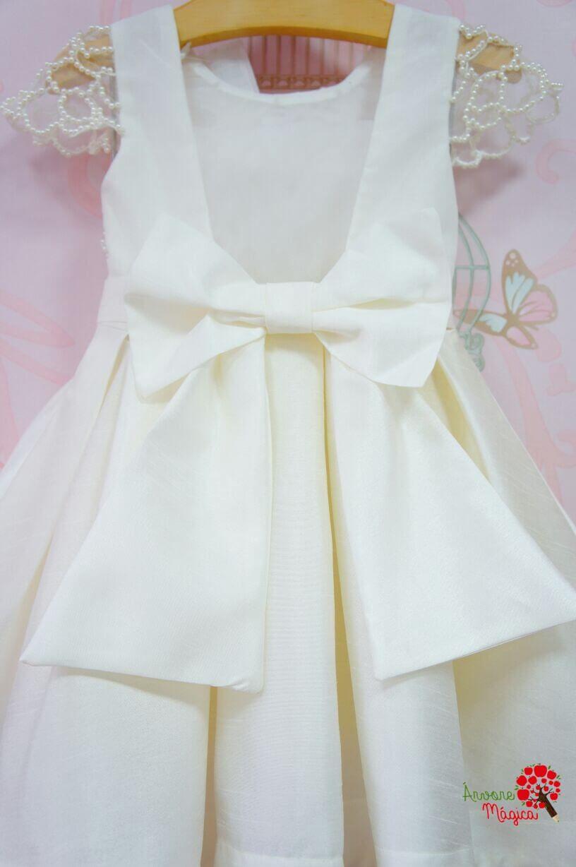 a869cef6f6 Vestido de Festa Infantil Branco Bordado à Mão Luxo Petit Cherie ...