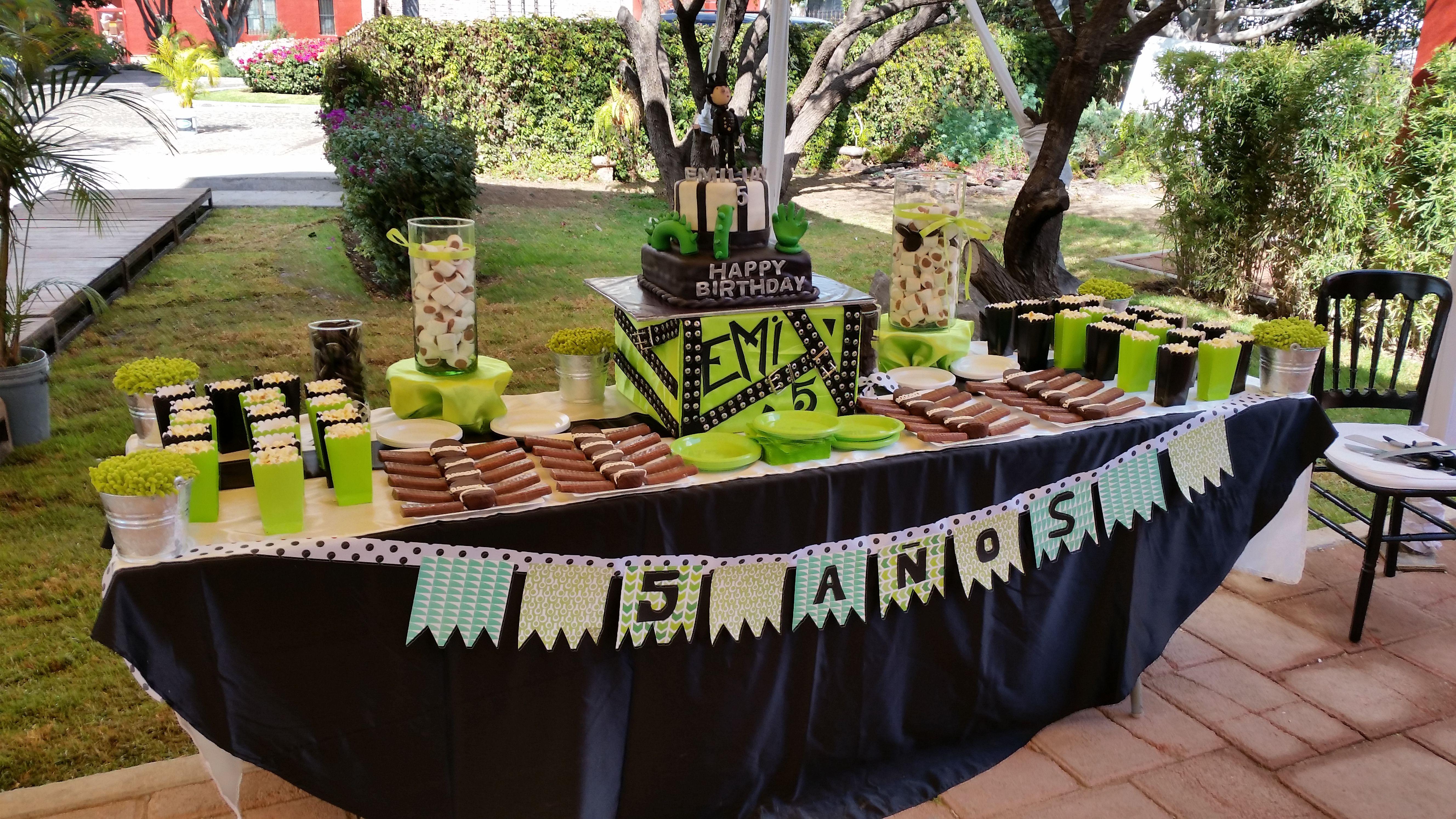 Sweets table / Mesa de dulces