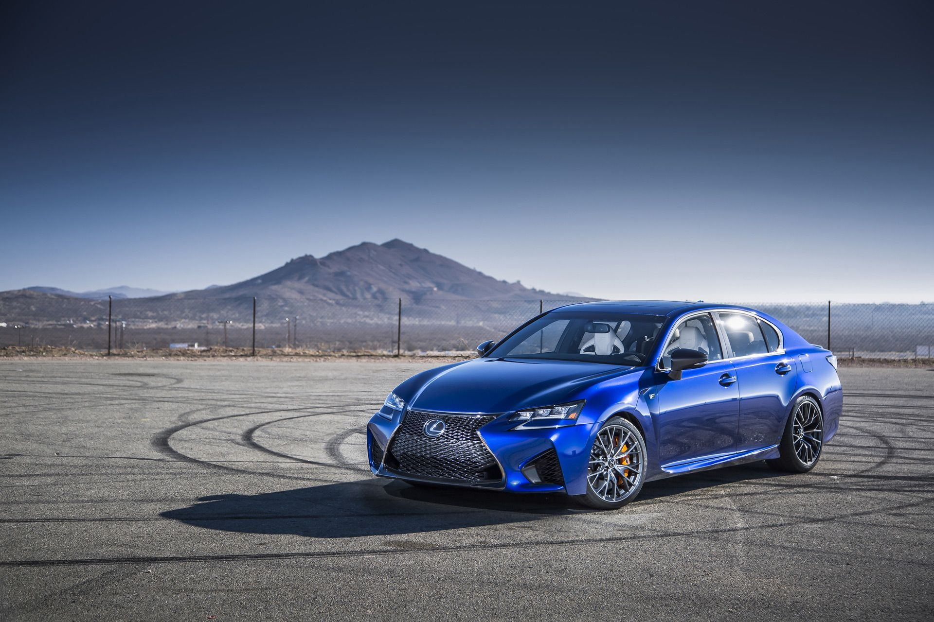 2016 lexus gs f sedan is ready to take on the bmw m5 and mb e55