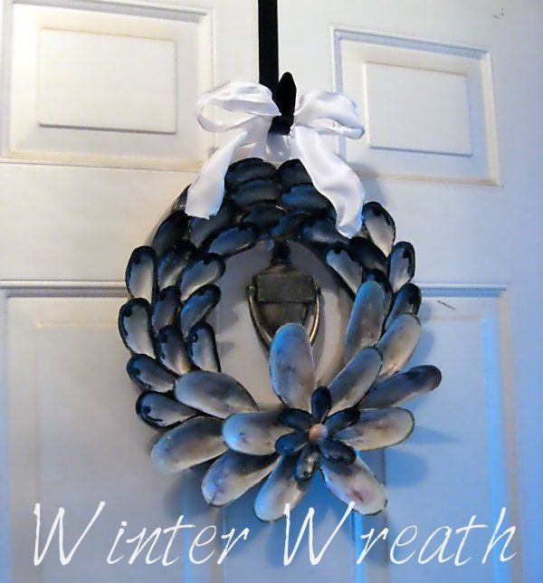 Sweet Boutique Home: Mussels Wreath.  Now I just need a sweet cottage by the sea to put this on the front door of.