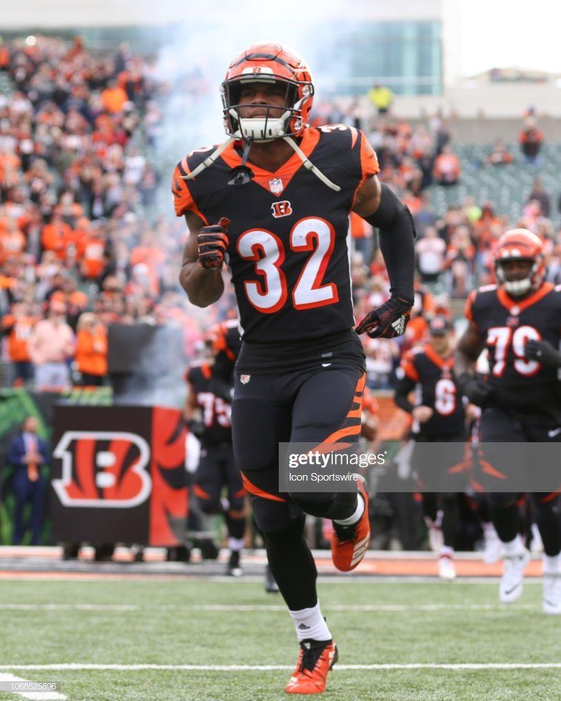 Cincinnati Bengals Running Back Mark Walton Runs Onto The