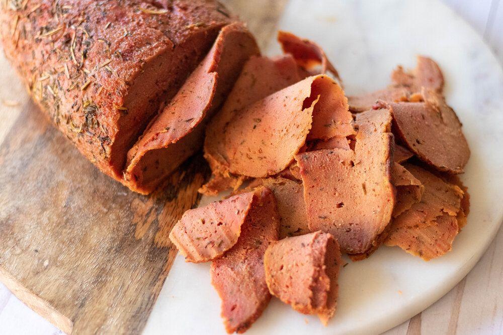 Vegan Deli Sliced Roast Beef 86 Eats In 2020 Sliced Roast Beef Roast Beef Food Processor Recipes