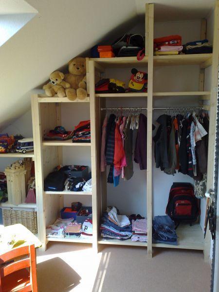 Regale und Kleiderschrank für Kinderzimmer mit Dachschrägen – Bauanleitung für …, #Bauanlei…