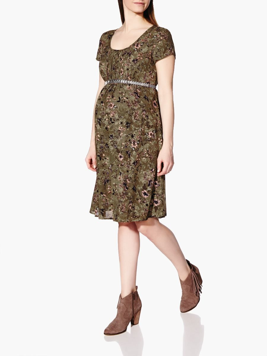Get ready for spring with this pretty maternity dress made with a